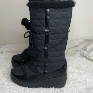 London Fog Pom Pom Quilted Winter Boot Size 7